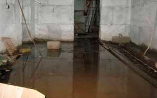 Вода в подвале частного и многоквартирного дома: что делать?