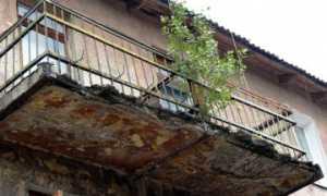 Аварийный балкон: что должна делать управляющая компания?